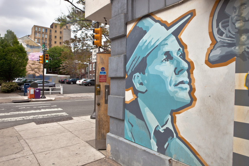 Photo by Steve Weinik for the Mural Arts Program