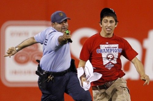 phillies-fan-taser