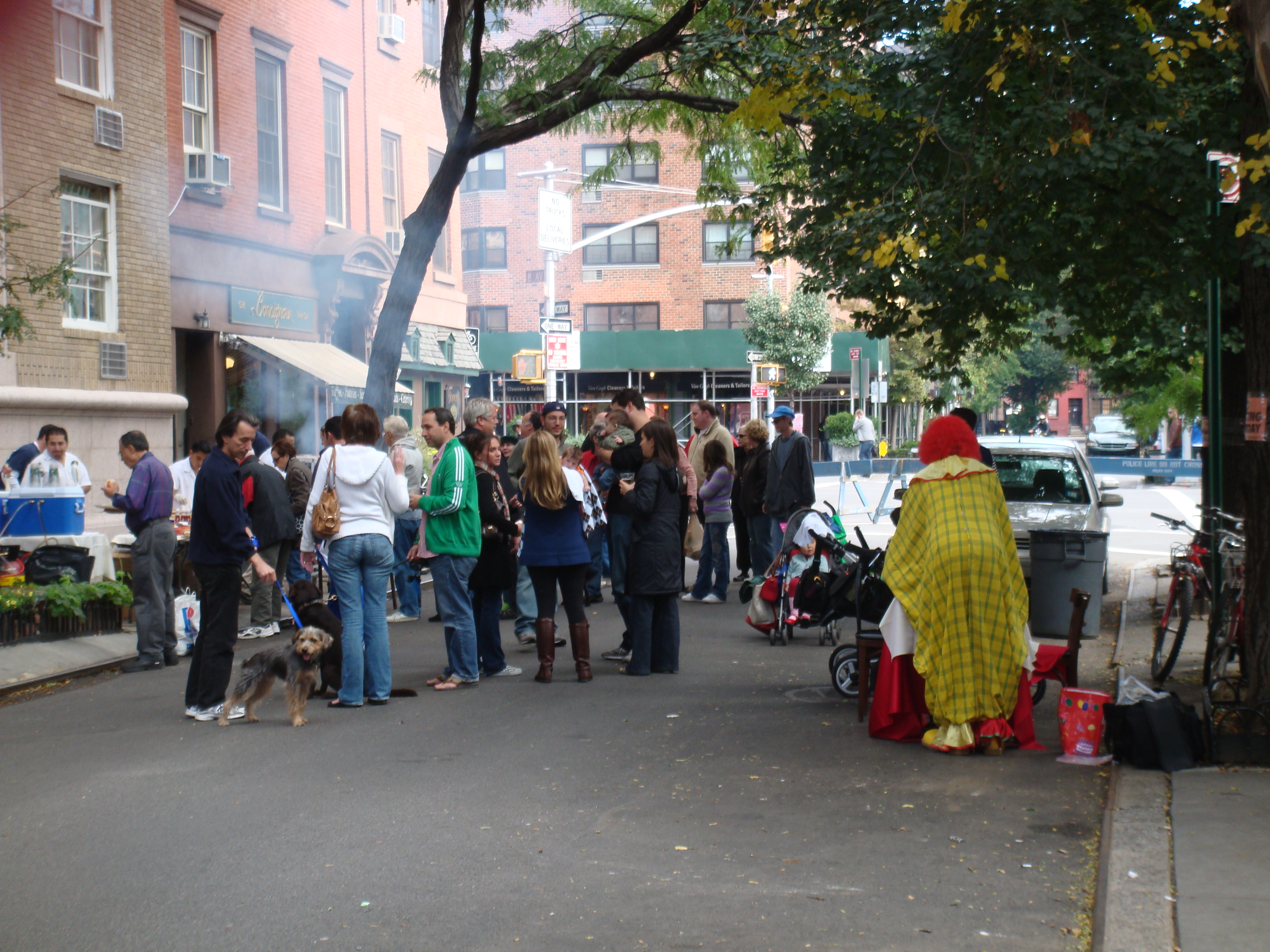 Block_party_(Manhattan,_October_4_2008)