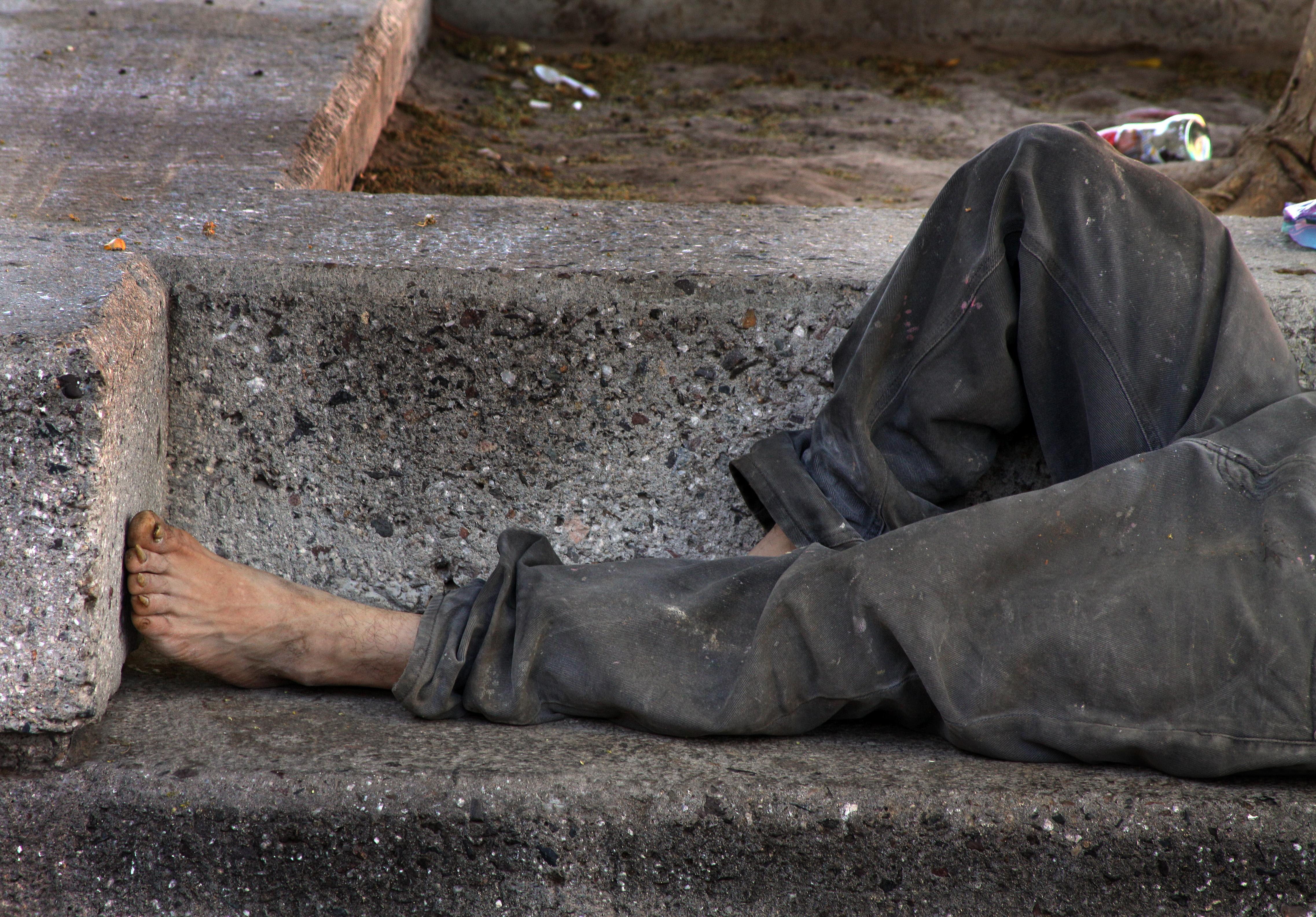 Homeless_on_bench