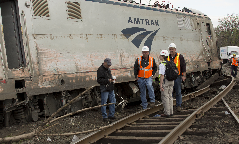 NTSB_2015_Philadelphia_train_derailment_3