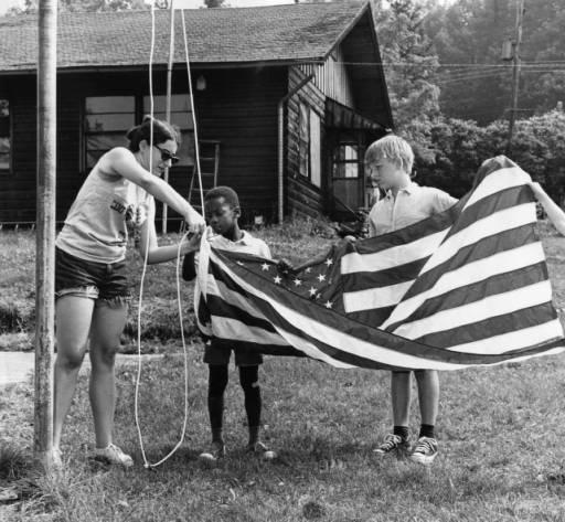 Camp — Yomechas Flag
