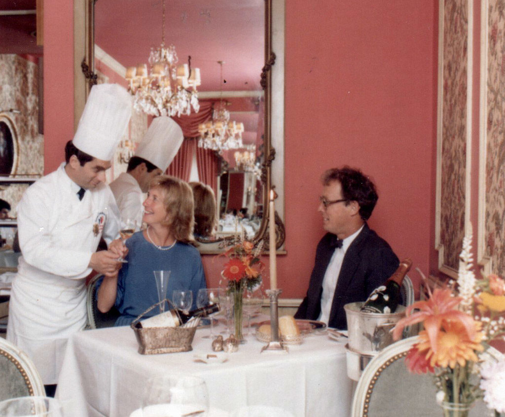 Georges Perrier talks to guests at the original Le Bec-Fin