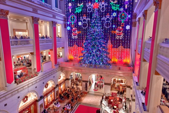 macys-center-city-christmas-light-show-900VP-587×0