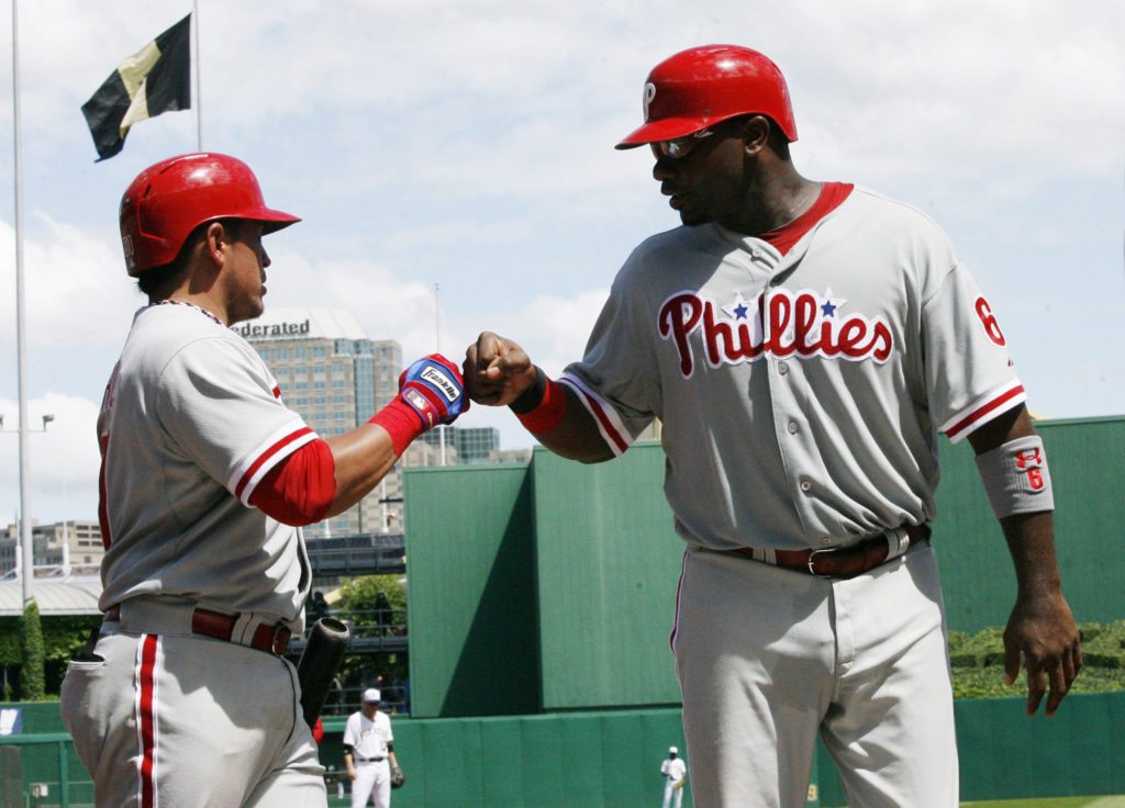 Carlos Ruiz and Ryan Howard are both gone. Are the 2017 Phillies better without them?