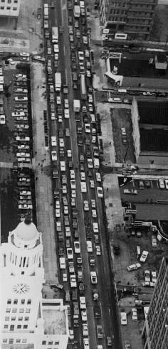 "From '81: ""Afternoon rush-hour traffic moves slowly north on Broad St. in Philadelphia."""