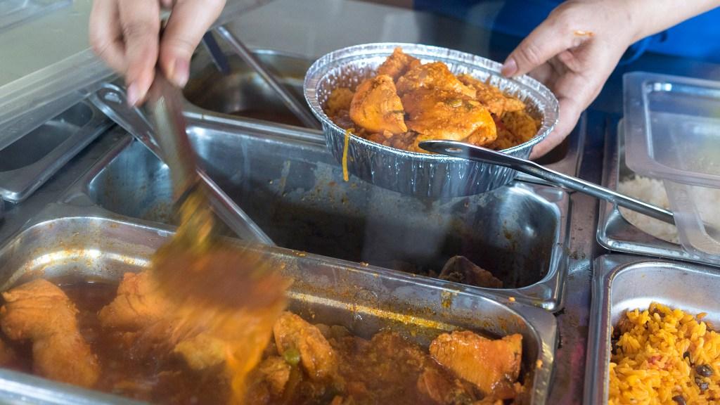 Pollo guisado at Cibao Restaurant