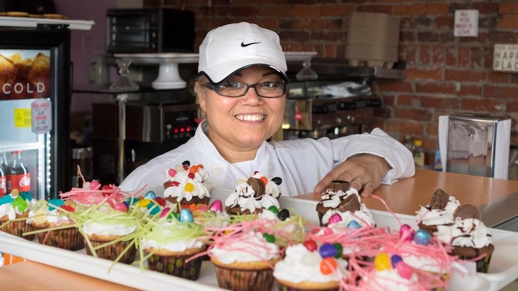 Owner Marisol Lozada at Ma Mo Mi Bakery
