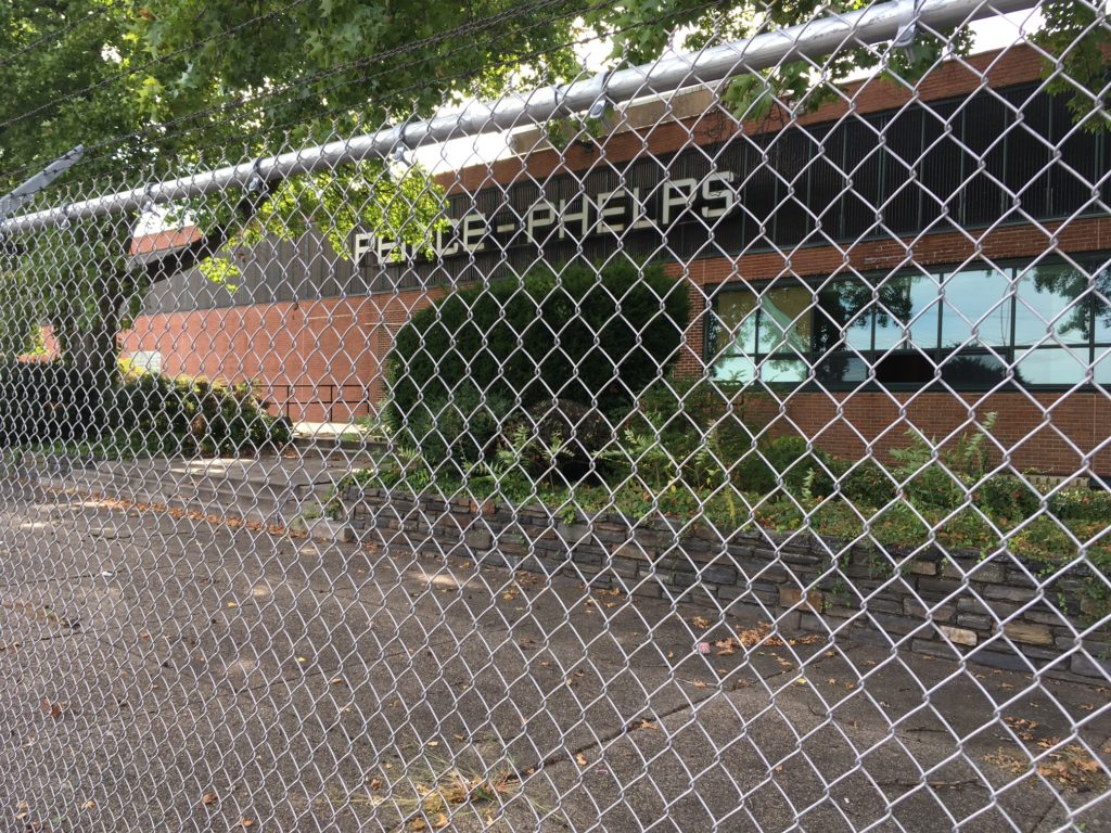 The building PECO plans to demolish to build its substation.