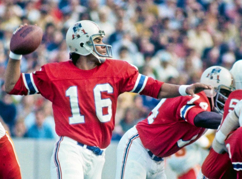 New England Patriots quarterback Jim Plunkett