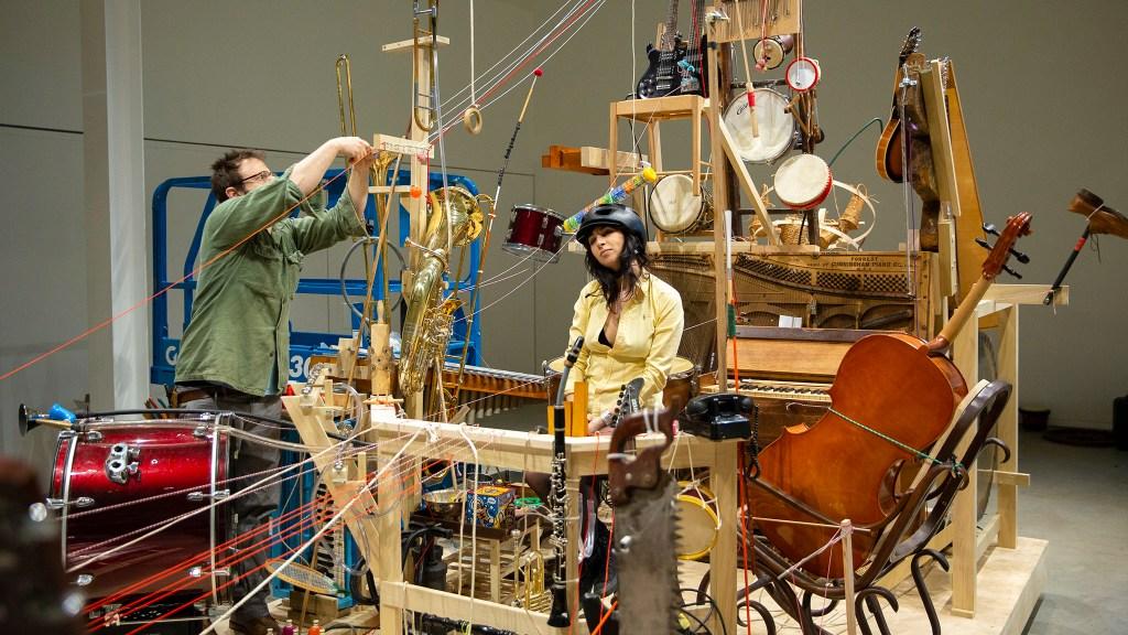 Bowerbird's 'Zwei Man Orchester'