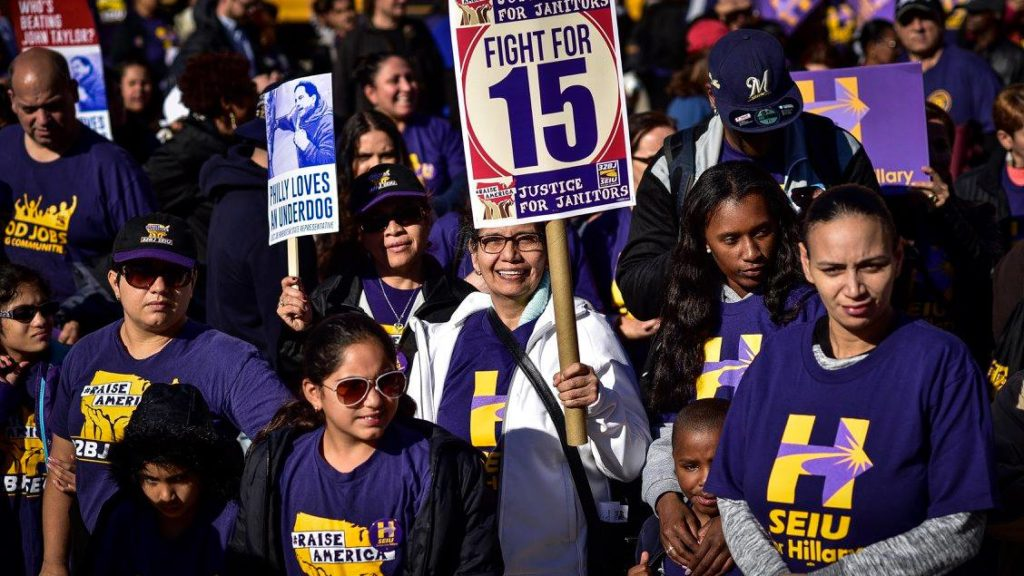 32BJ members talk to voters in Philly during the 2016 election
