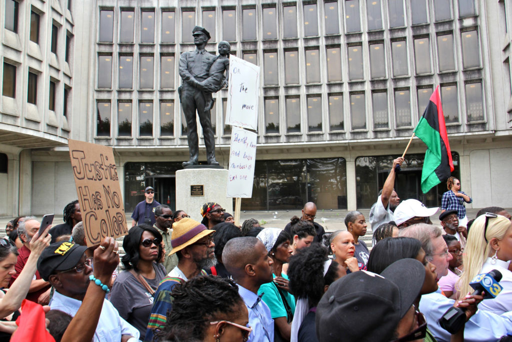 2019 06 07-e lee-philadelphia police headquarters-rallly protest