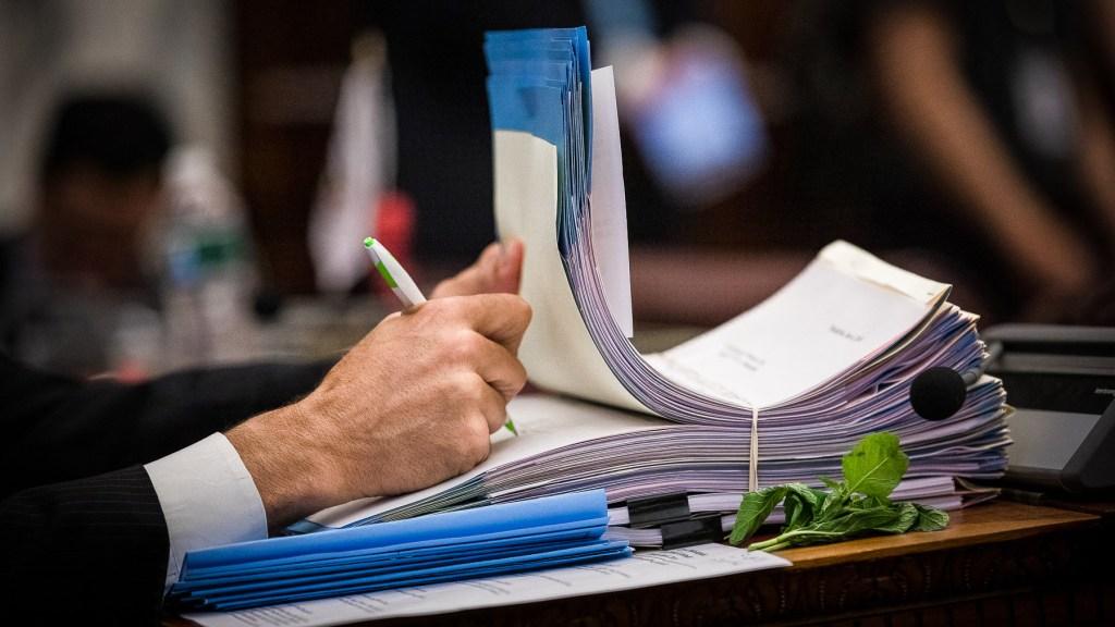 councilmayorsigningbillslegislation