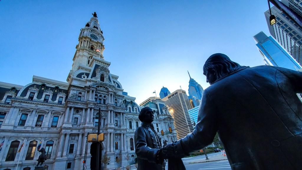 Vista del Ayuntamiento de Filadelfia desde el Templo Masónico