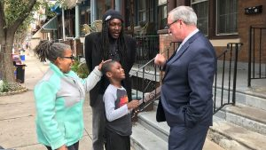 Mayor Jim Kenney talks to Cynthia Muse, block captain on the 3700 block of N. 15th Street, and other neighbors