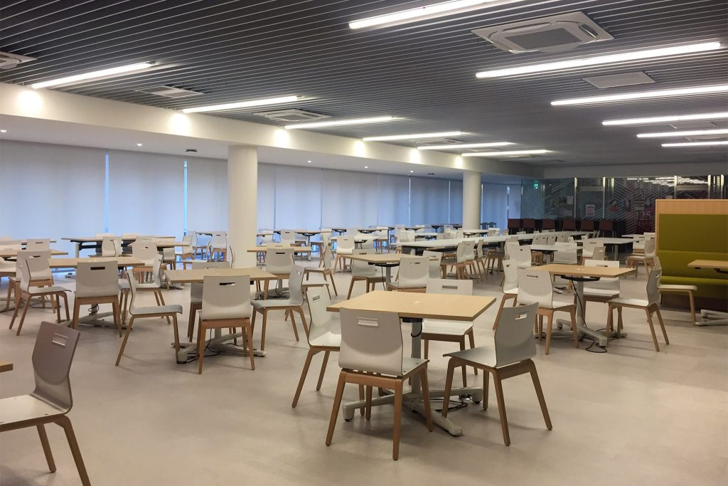 The lunchroom at Temple University Japan is empty