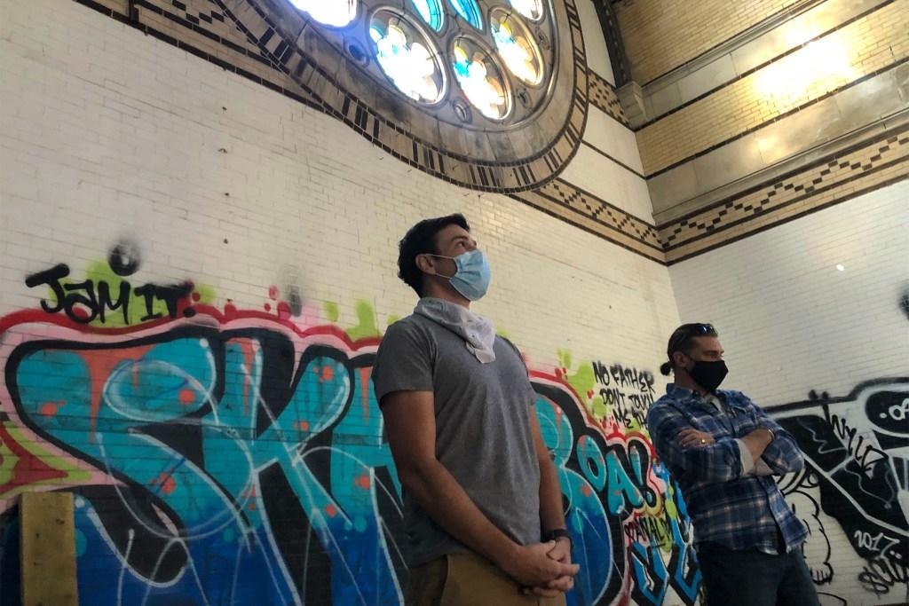 stedwards-homeless-churchprotestcamp-05