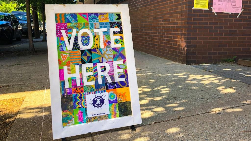votehere-pollingplace-crop