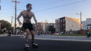 fishtown-rollerbladers-roundabout-crop